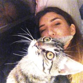 meeeoow on Boldomatic - Daphne| 21| german girl with turkish roots• ablexo| cats| respect & tolerance || @Phhhoto: meeeoow