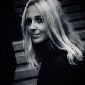 commelaudace on Boldomatic - Laura Origin